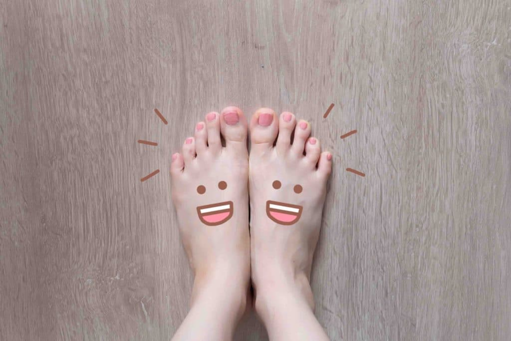 feet pic with smiling feet