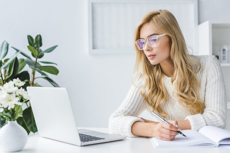 woman making money online working from home